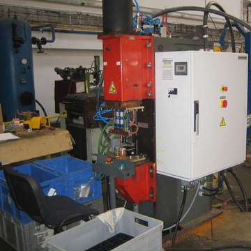 Refurbishments of resistance welding machines